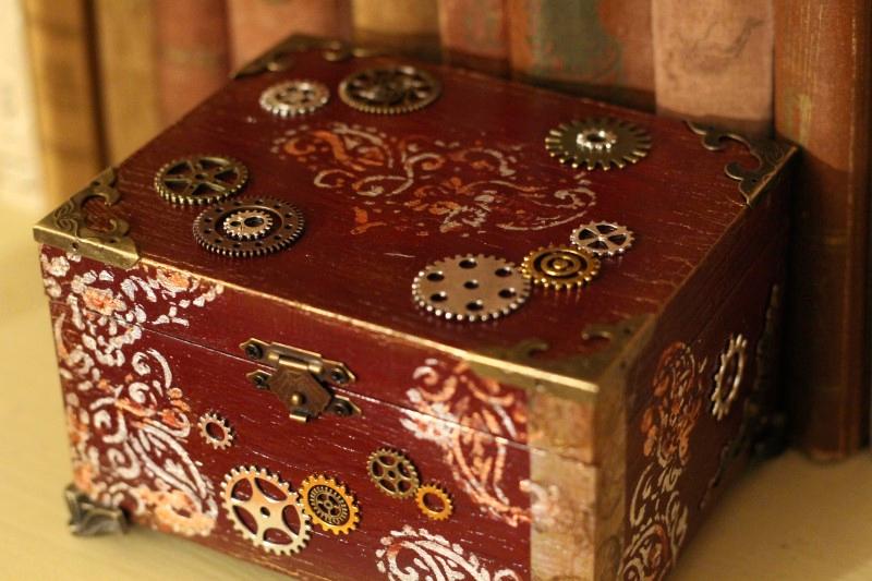 steampunk doboz